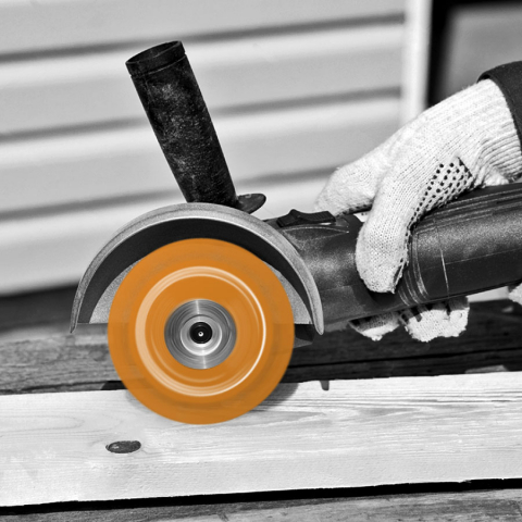 Wood Cutting Blade on Angle Grinder