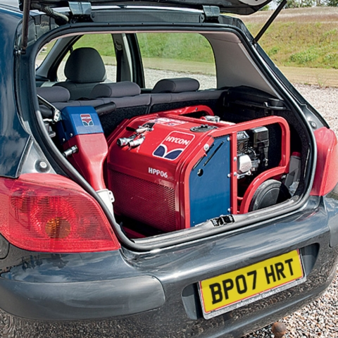 HYCON HPP06 and HH15 Power Kit in Car