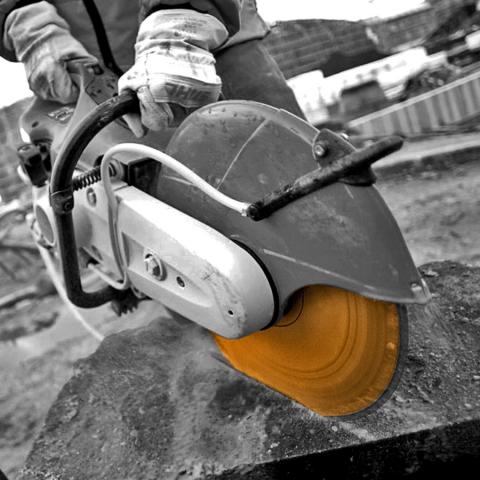 Diamond Blade on Disc Cutter cutting Hard Concrete